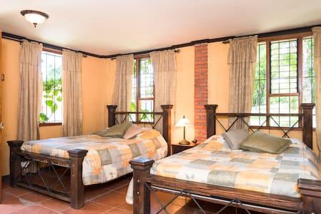 Guest house in La Guacima