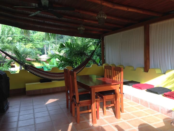 Casa Amarilla large private Apartment