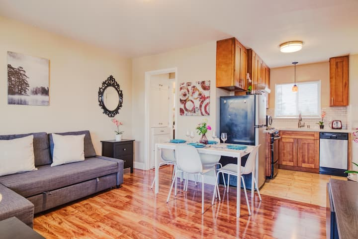 Newly Remodeled Cozy 1BR Cook Meals-WiFi-Parking