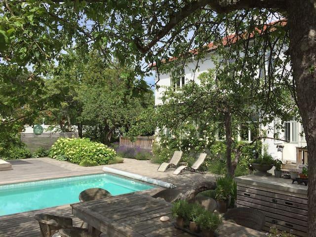 1840 built charming villa with pool - Helsingborg - Villa