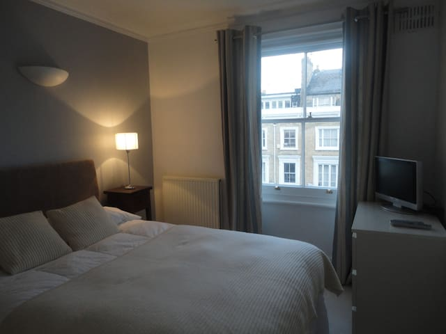 Private Bedroom in Kensington