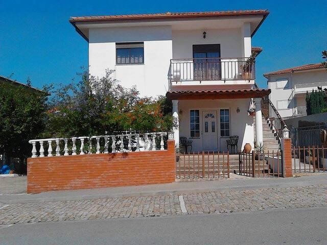 Vivenda Almeida - Madalena - บ้าน
