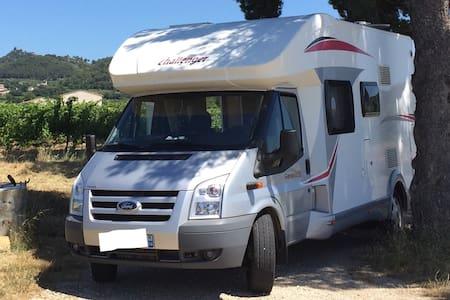 Location camping car 5/6 places - Valcanville - รถบ้าน/รถ RV