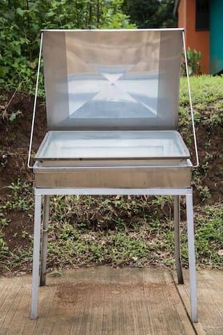 Solar oven / Horno solar