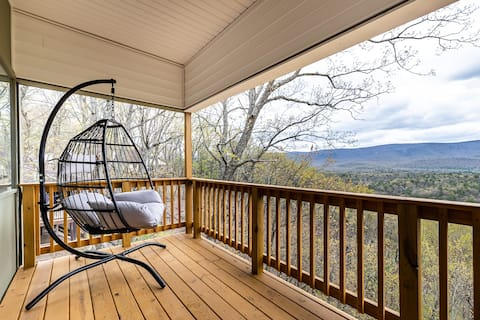 Renovated Bryce Home w/ Stunning Mountain Views