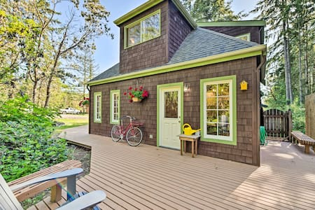 Port Townsend Cottage Mins from Wineries+Golf