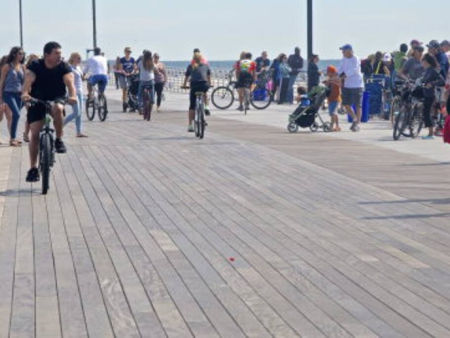 beautiful Long Beach boardwalk