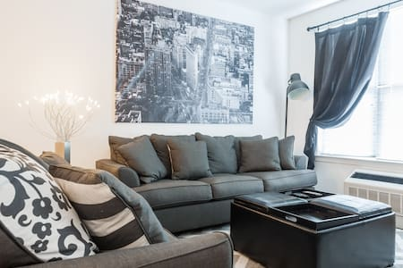Luxury Apartment 10min to NYC - East Rutherford