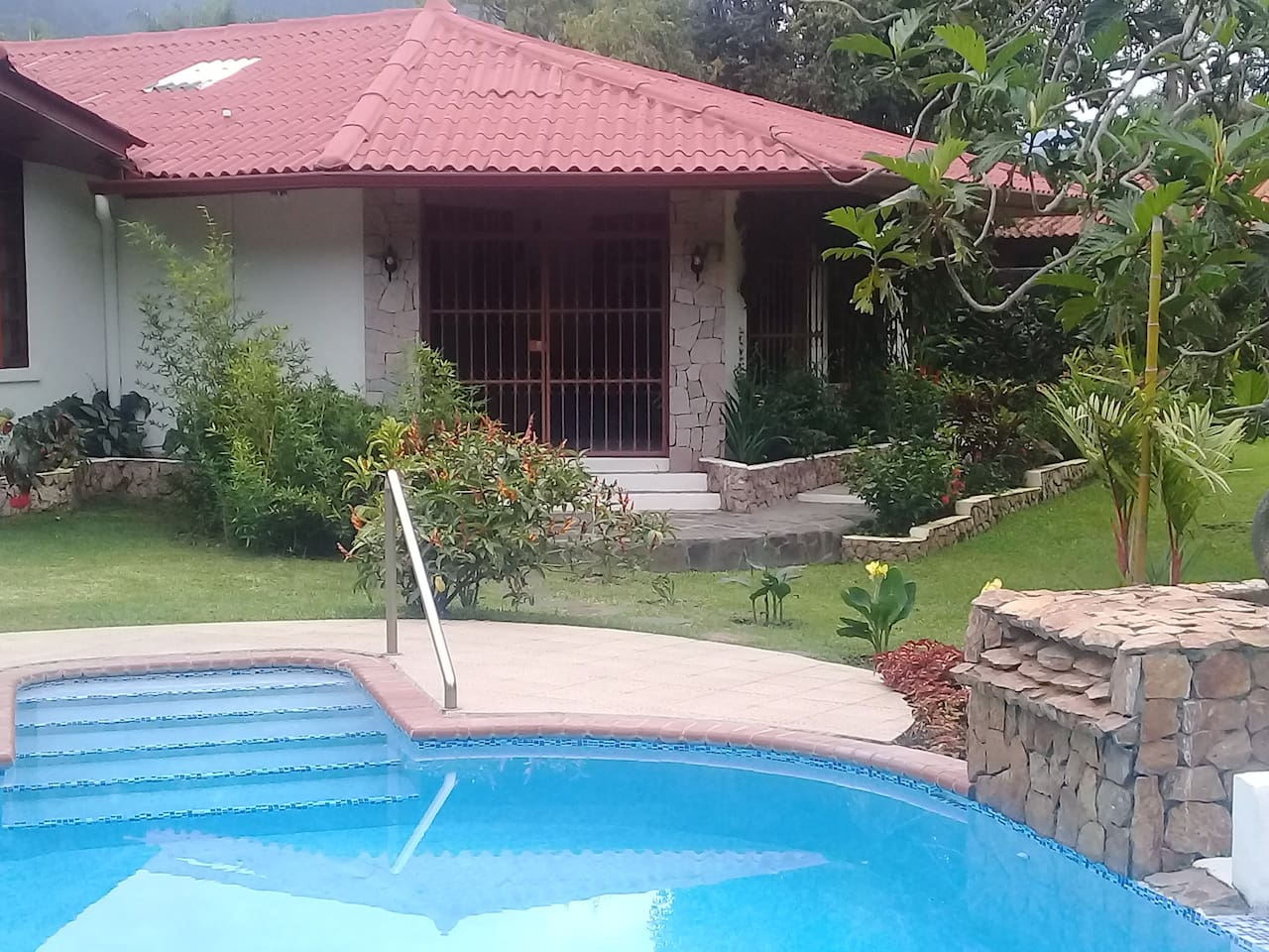 Rear access to the swimming pool