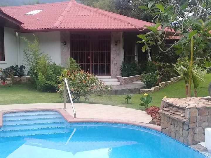 Paradise in El Valle de Anton