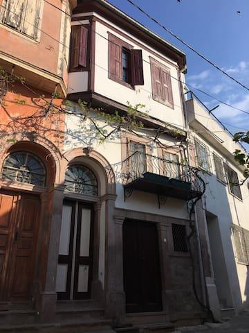 Historical, Certificated Greek House in Ayvalik