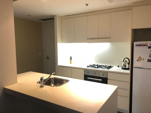 Modern 2 Bedroom Apartment in the heart of Sydney