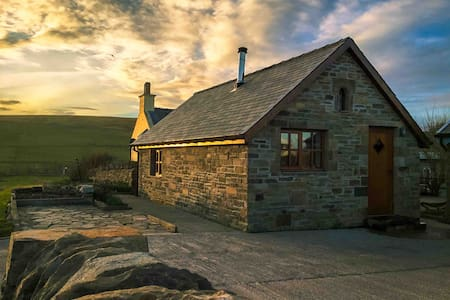 Da Peerie Hoose, Our Quirky, Shetland Tiny House.