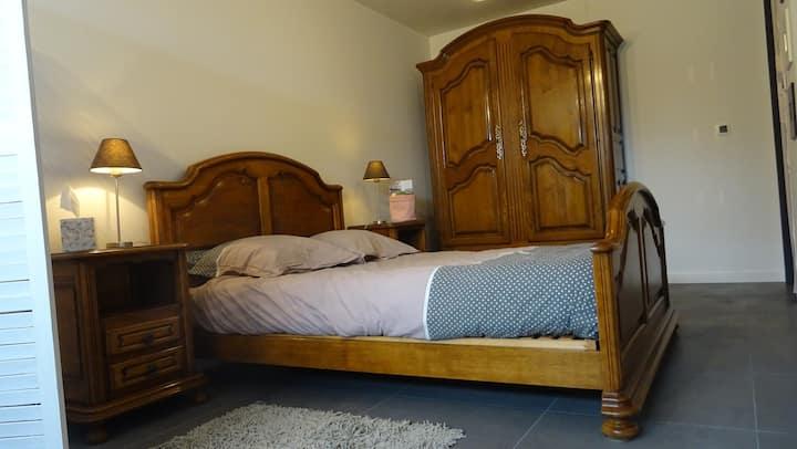 Chambre privative dans jolie maison neuve