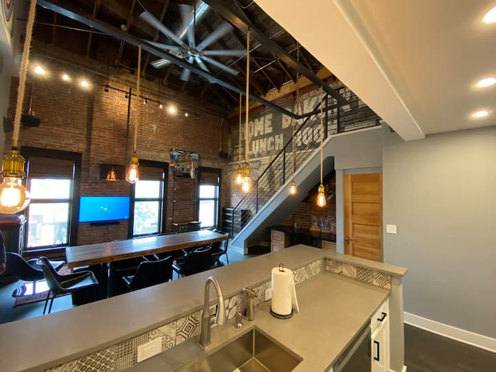 Amazing Artistic Loft in the Heart of Five Points