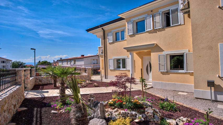 NEW Villa Njivice with pool ( Persons 6 + 2 )