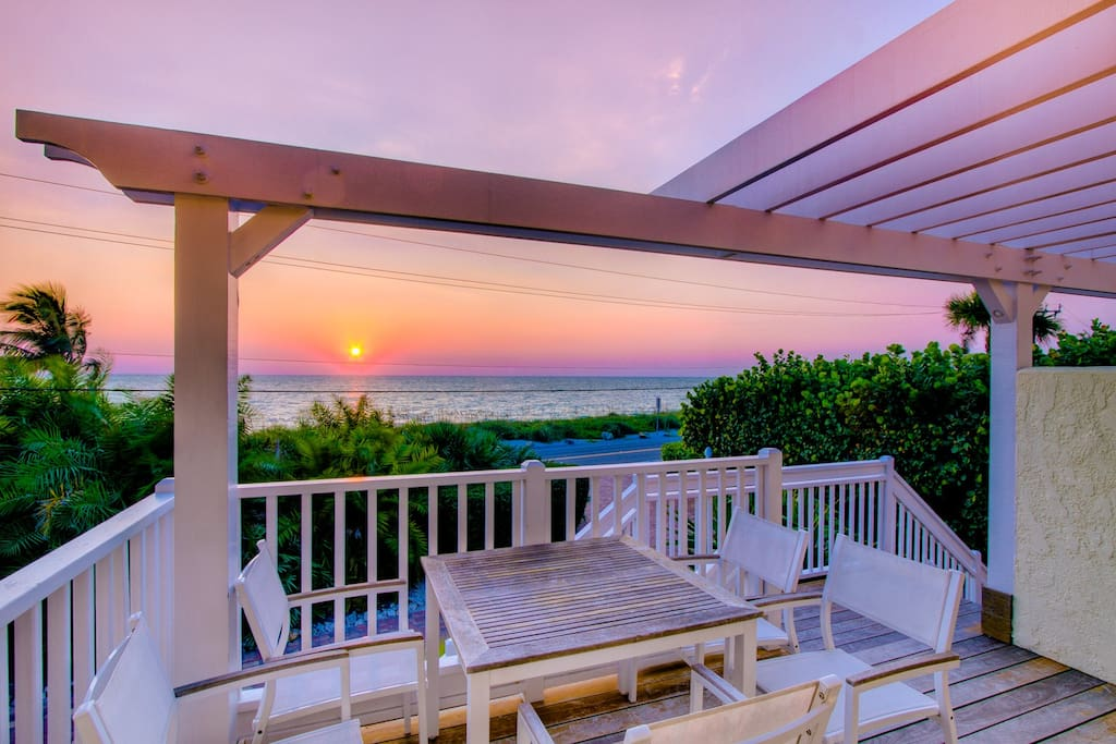 Great sunsets from almost the entire front living space and decks