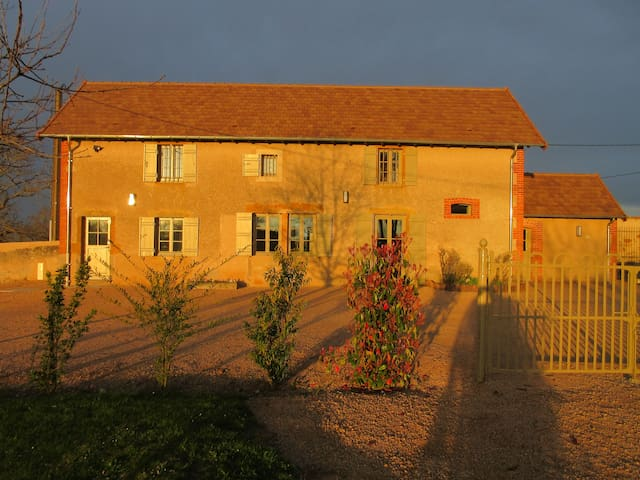 Gîte des Guyons - Bourg-le-Comte - Allotjament sostenible a la natura