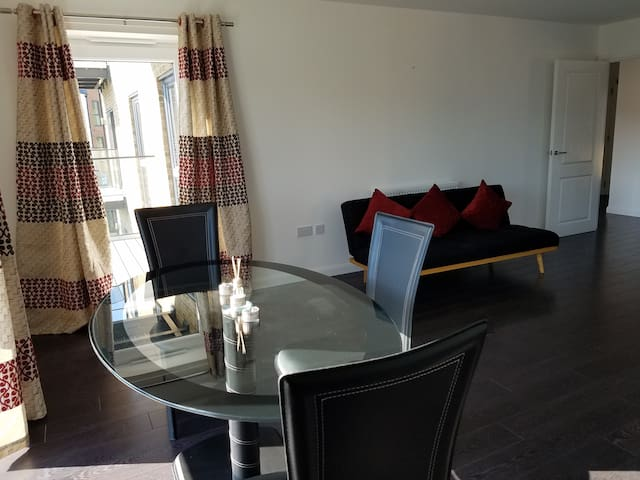 Prime Dartford Apartment