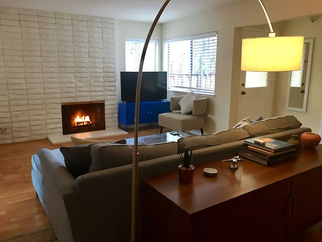 Quiet and comfortable room w/ private bathroom - Redwood City - Hus
