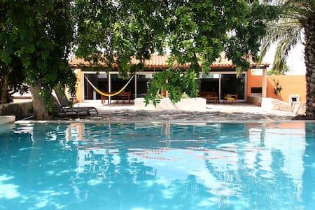 Beautiful independent villa w\pool