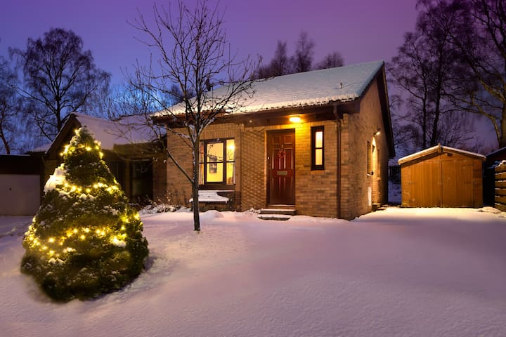 3 Dalnabay: Cosy Holiday Cottage - Aviemore - Talo