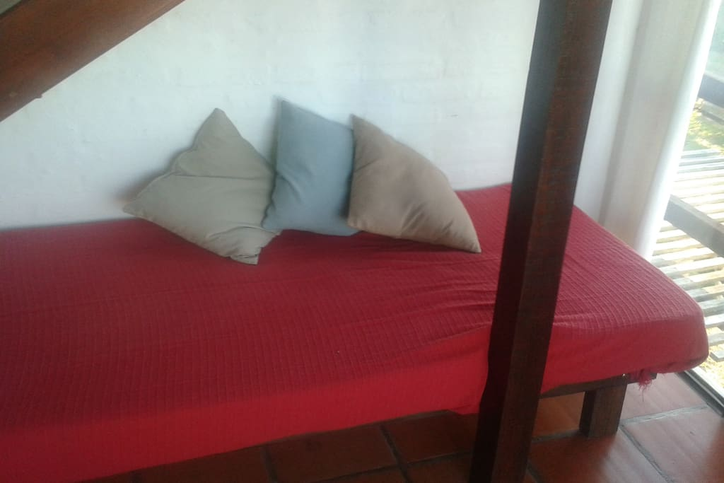 Couch/Single Bed