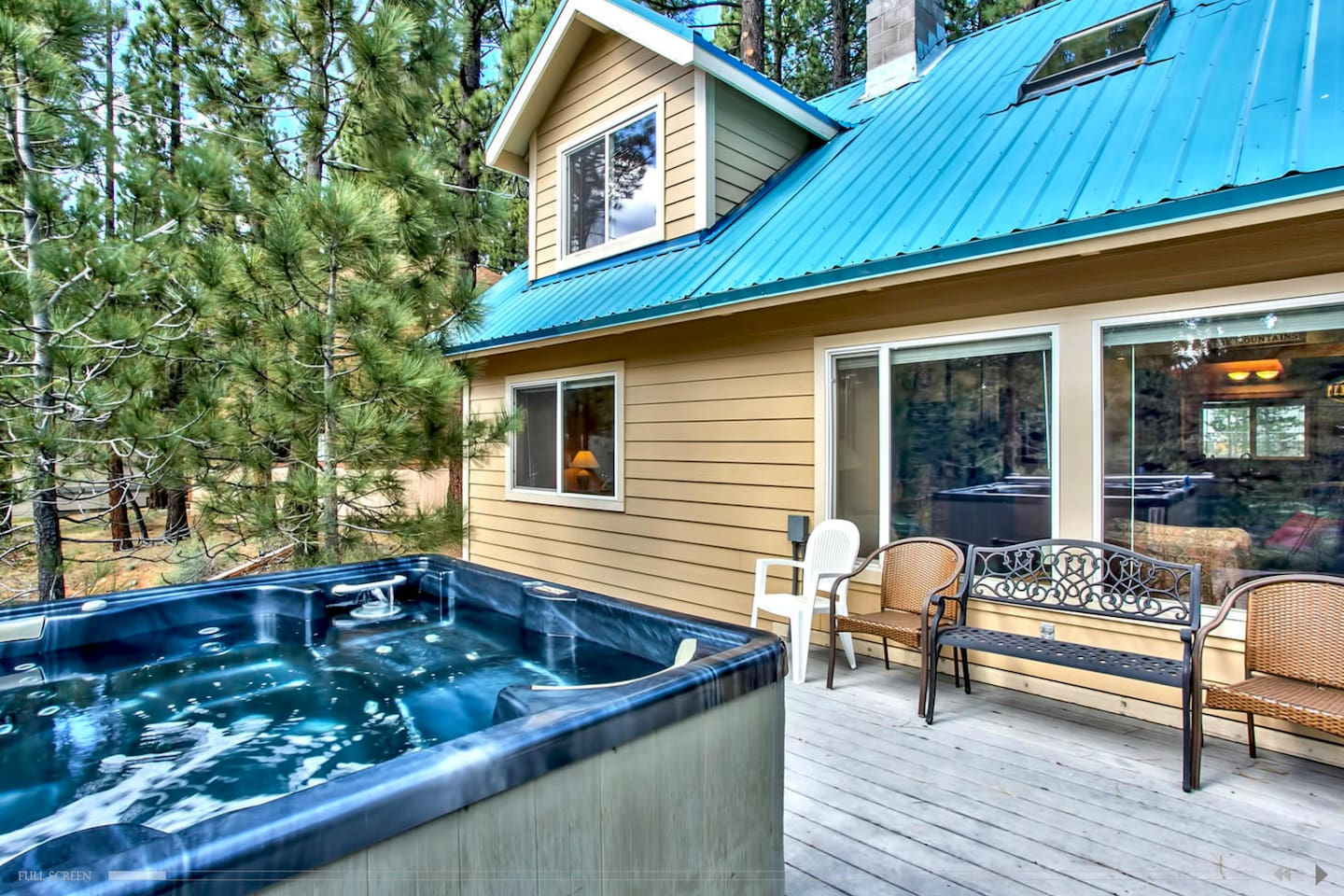 expansive 6 bedroom cabin tub houses for rent in south