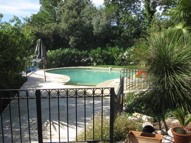 Belle et grande maison (piscine) près de Nice - Roquefort-les-Pins - Hus