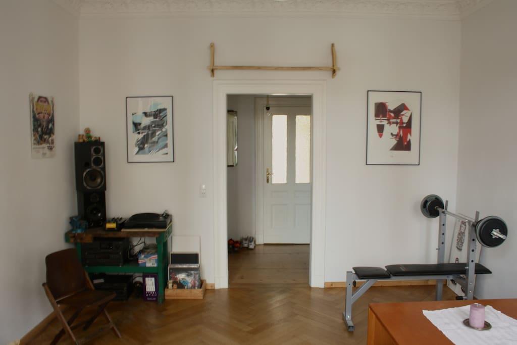 Wohnzimmer/ Living room