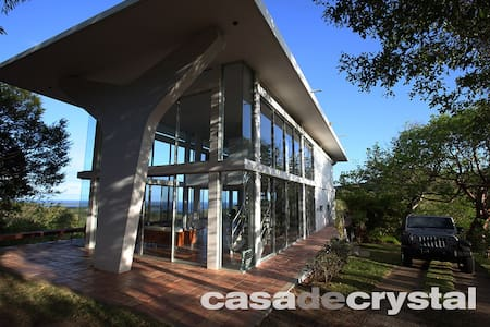 Casa De Crystal / House of Glass - Villa