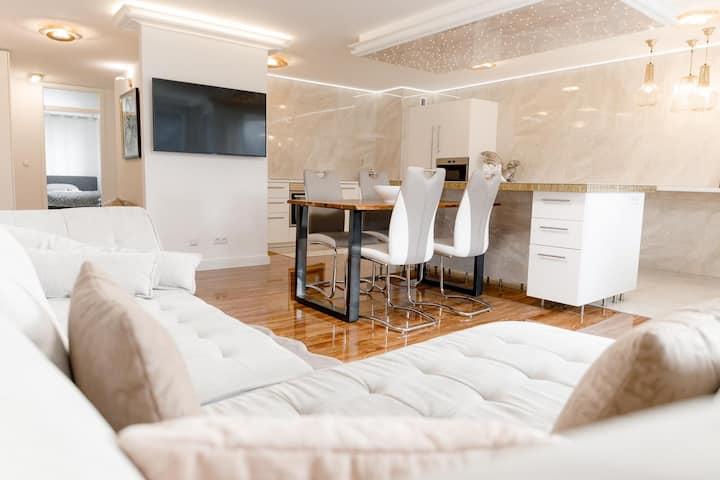 Frisch renovierte 3 Zimmer Wohnung in edlem Design