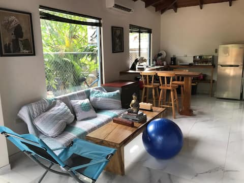 Cozy Loft 500m from Playa Negra