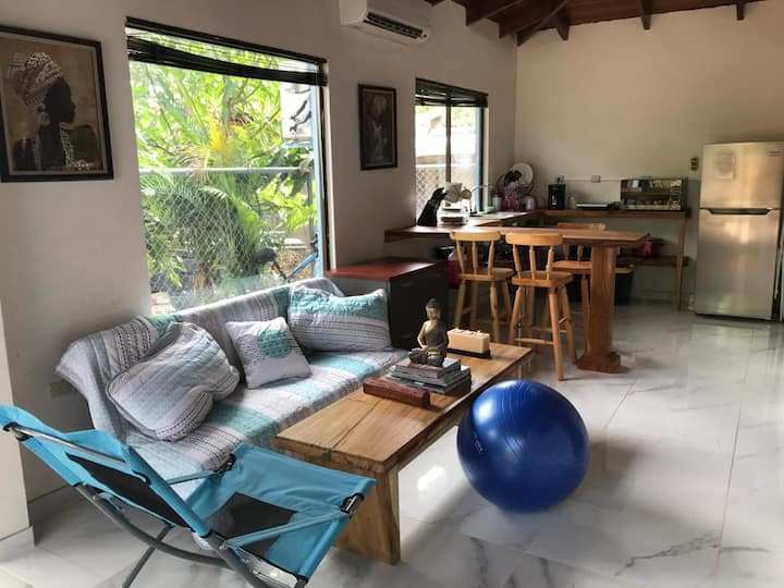 Cozy Loft 500m from Playa Negra
