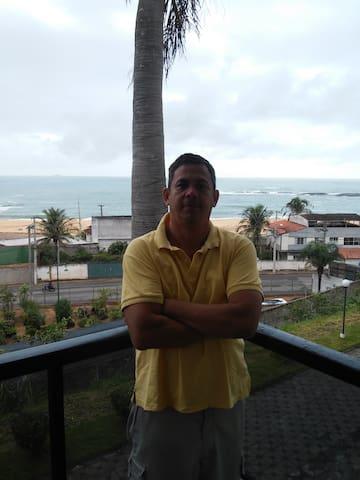 Vista frontal para o Oceano - Guarapari - Apartamento