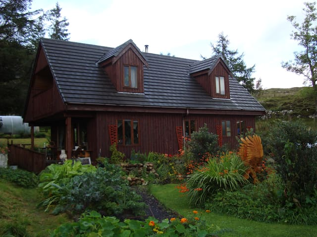 B&B under Mountains, next to Sea - Torrin - Bed & Breakfast