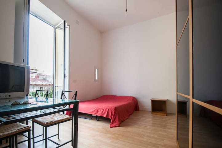 4th Floor studio - Napels - Appartement