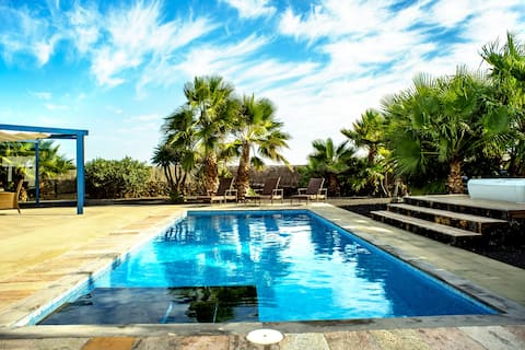 NVF - CASA ELIZA - Villa avec piscine et jacuzzi