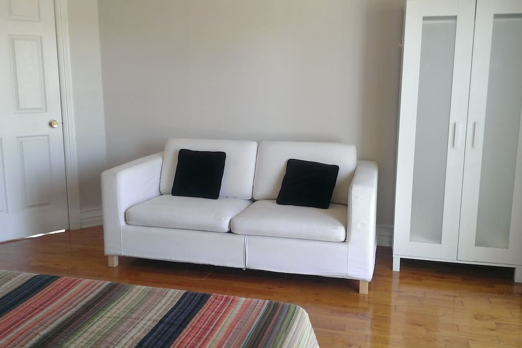 Room For Rent Near Kennedy Subway Station