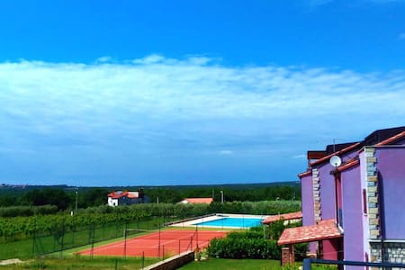 Amazing sea view, pool and tenis court! Just relax - Gedići - Apartment