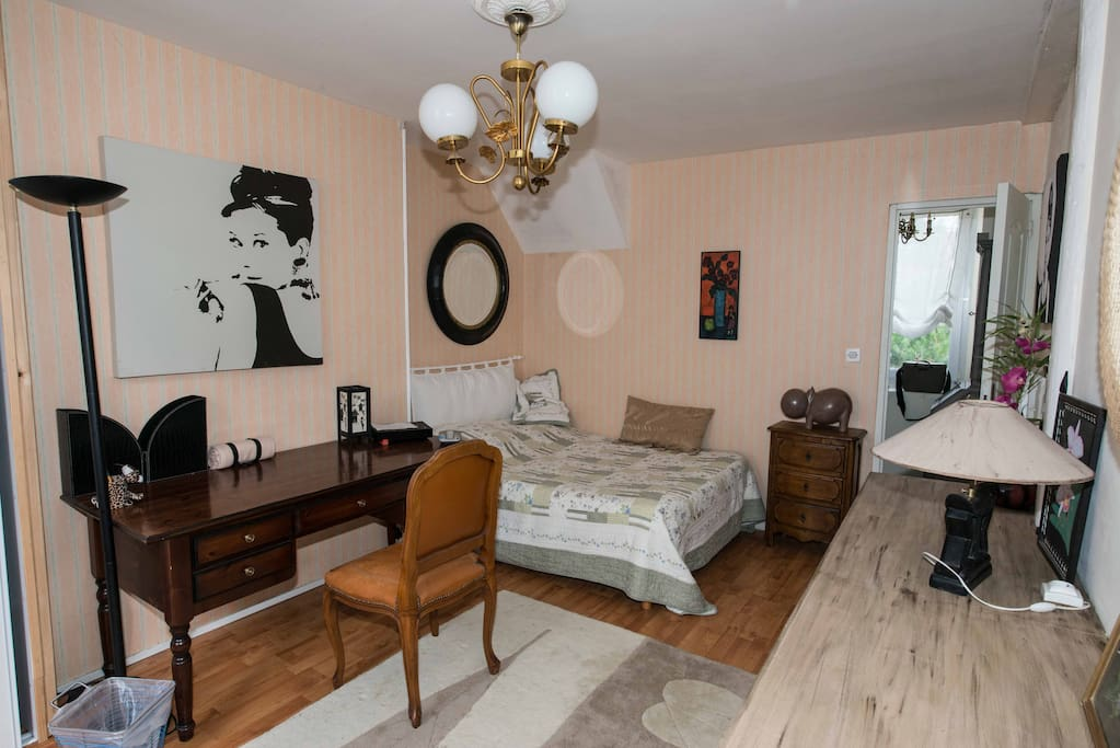 bed and breakfast guesthouses for rent in fontainebleau le de france france. Black Bedroom Furniture Sets. Home Design Ideas