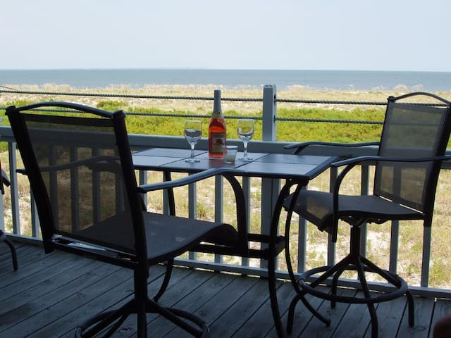OCEANFRONT NEW DECK! Villa with Awesome Views! Totally renovated for 2018! Book