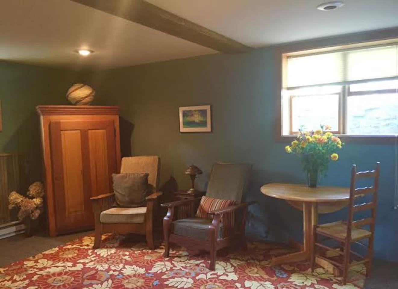sitting area boosts antique Morris recliners