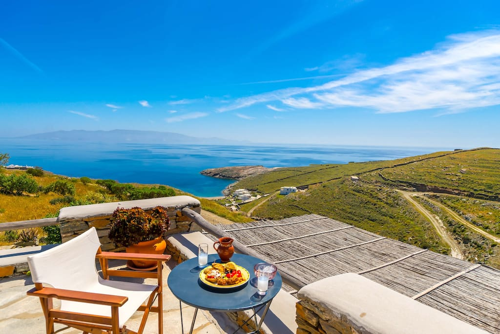 MIDDLE TERRACE, VIEW TO SERIFOS ISLAND