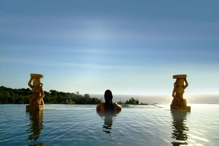 Lagen Cliff villa - Bali