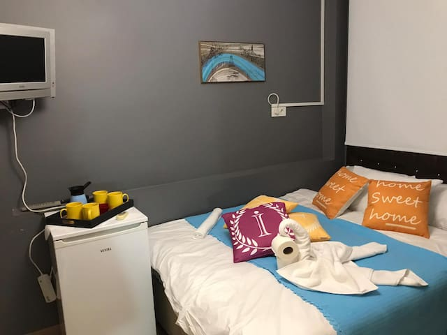 sweet small suite+free wifi