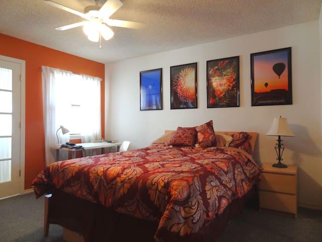 Far North Dallas -- Orange Room