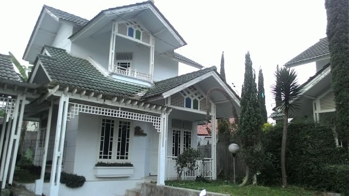 puncak palm garden villa