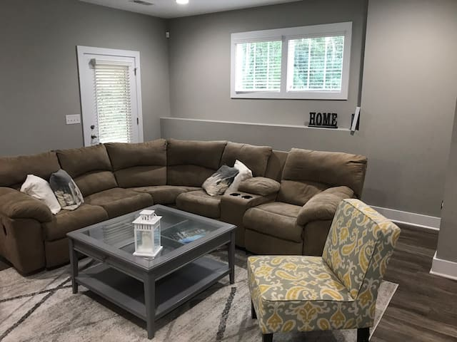 1BR apartment in the heart of South Park Charlotte