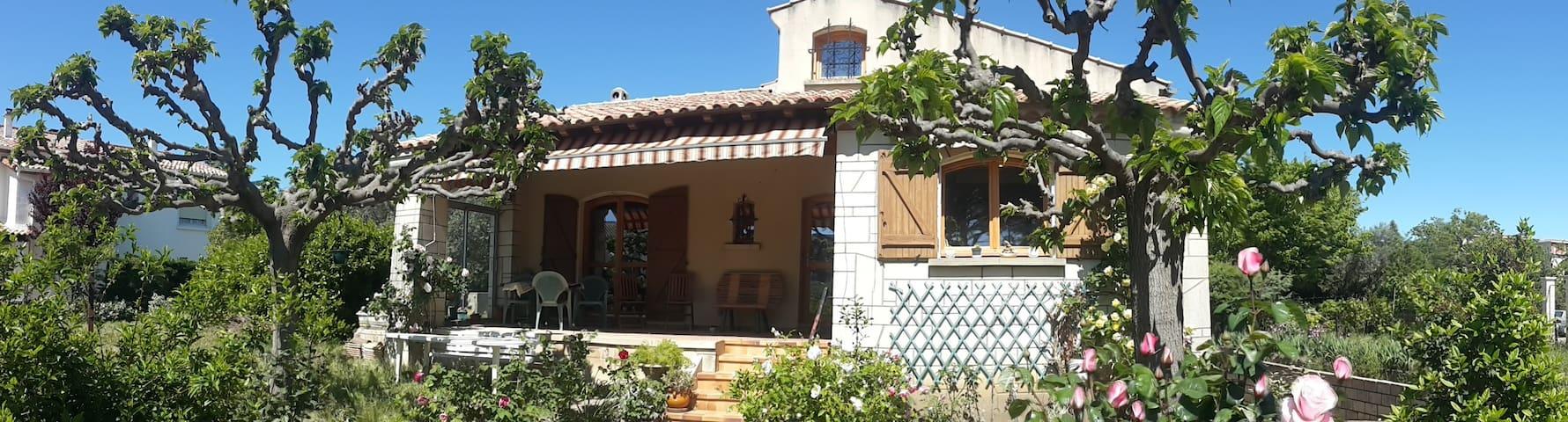 Villa moderne avec grand jardin, repos total! - Clermont-l'Hérault - Villa